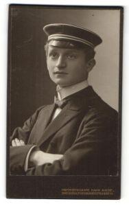 Fotografie Hahn Nachf., Dresden, Portrait Student mit Korpsmütze