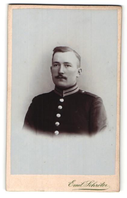 Fotografie Emil Schröter, Potsdam, Berlin, Portrait Soldat in Uniform
