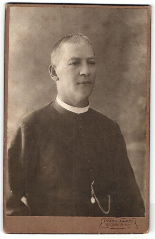 Fotografie Pataki Lajos, Szombathely, Portrait Geistlicher in Ornat
