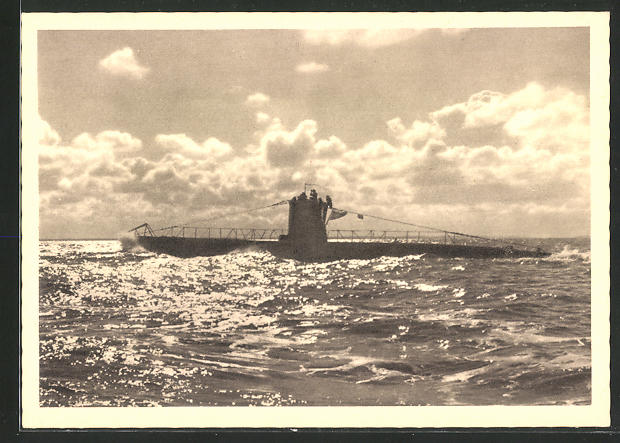 AK U-Boot der Kriegsmarine auf hoher See