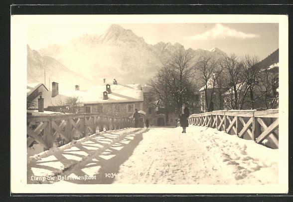 AK Lienz, Ortsansicht mit Brücke im Winter 0