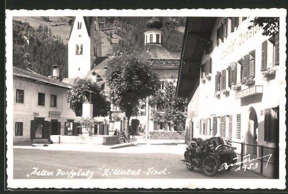 AK Zell i. Zillertal, Dorfplatz mit Gasthof-Pension 0