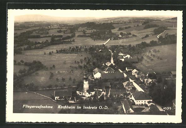 AK Kirchheim im Innkreis, Fliegeraufnahme vom Ort, Blick ins Land 0