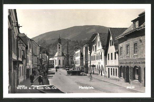 AK Weyer a. d. Enns, Marktplatz mit Kirchblick 0