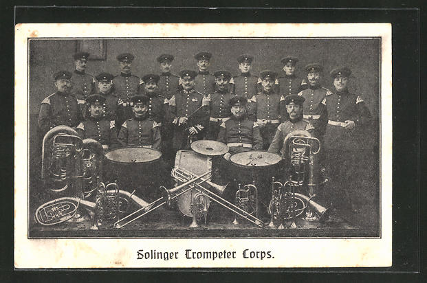 AK Solingen, Musikkapelle Trompeter Corps mit Instrumenten 0