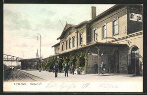 AK Ohligs, Partie am Bahnhof, Schaffner warten auf den Zug