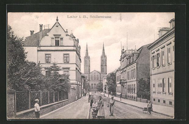AK Lahr i. B., Schillerstrasse mit Kirchblick 0