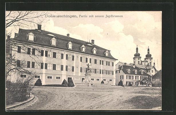 AK Donaueschingen, Partie mit neuem Jagdbrunnen 0