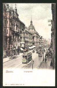 AK Berlin, reges Treiben in der Leipzigerstrasse mit Strassenbahn