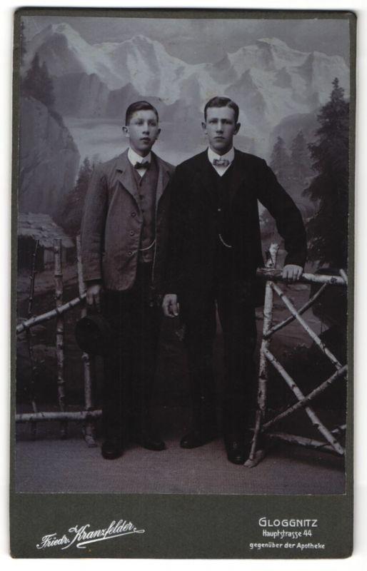 Fotografie Friedr. Kranzfelder, Gloggnitz, Portrait zwei halbwüchsige Knaben