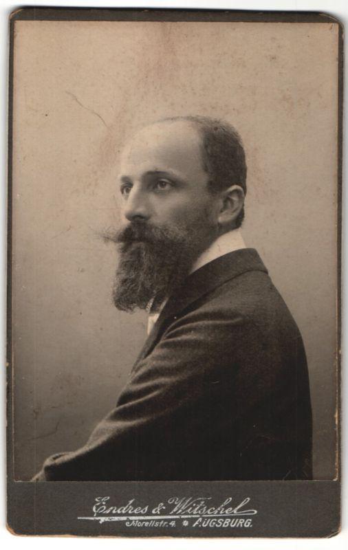 Fotografie Endres & Witschel, Augsburg, Portrait Herr mit Kinnbart