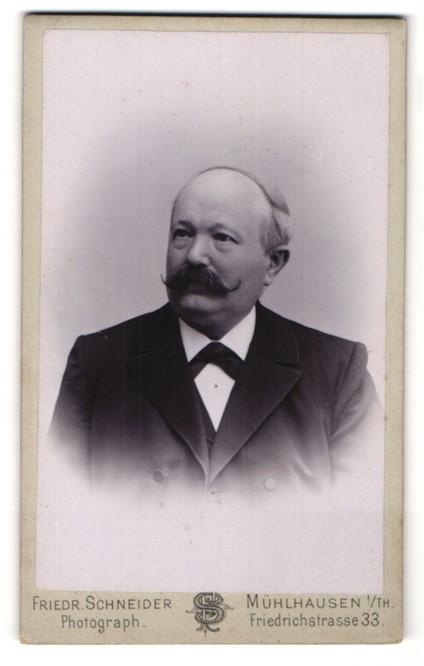 Fotografie Friedr. Schneider, Mühlhausen i/Th, Portrait betagter Herr mit Schnauzbart