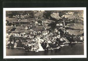 AK Erlenbach, Ortspanorama mit Zürichsee aus der Luft gesehen