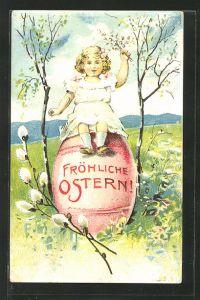 Präge-AK niedliches Mädchen auf einem grossen Osterei sitzend, Ostern
