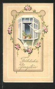 Präge-Lithographie weisse Tauben mit Rosengirlande vor dem Fenster,