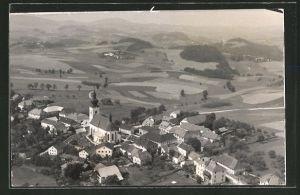 AK Altenfelden, Ortspanorama mit Kirche aus der Luft gesehen