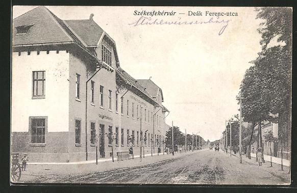 AK Szekesfehervar, Deák Ferenc-utca, Strassenpartie