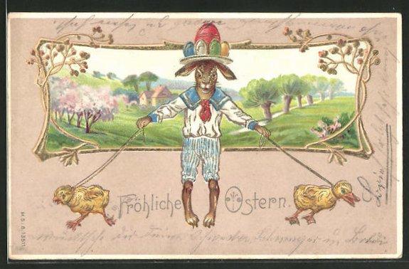 Präge-AK Frühlingsidylle mit Osterhase, angeleinten Küken und bunten Ostereiern, mit Goldverzierung