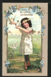 Präge-AK Herzlichen Glückwunsch zum Geburtstage, hübsches Mädchen und Tauben mit Blumen umrahmt