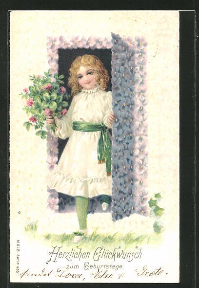 Präge-AK Herzlichen Glückwunsch zum Geburtstage, Mädchen mit Blumenstrauss öffnet die Tür