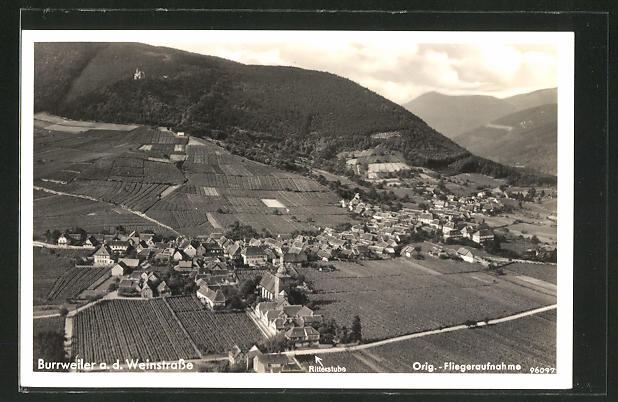 AK Burrweiler a. d. Weinstrasse, Gesamtansicht vom Flugzeug aus