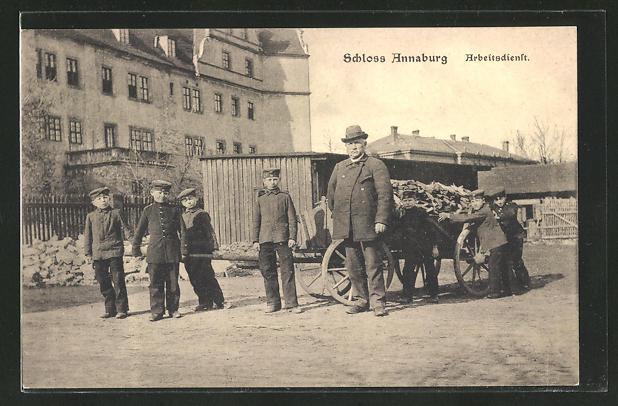 AK Annaburg, Arbeitsdienst mit Kindern am Schloss Annaburg