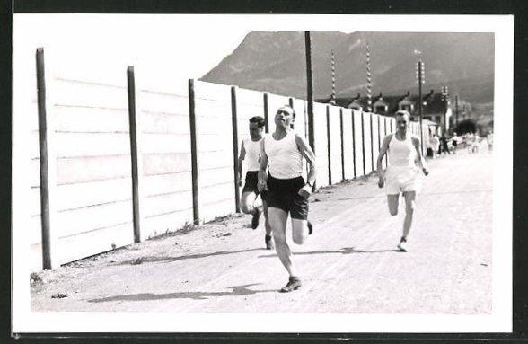 AK Leichtathleten im Training