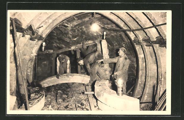AK Bergbau, Arbeiter im Stollen