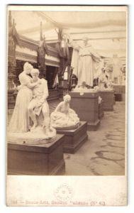 Fotografie M. Léon & J. Lévy, Paris, Ansicht Paris, Beaux Arts, Section Italienne, Ausstellung, Figuren