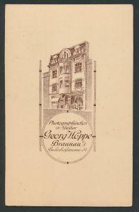 Fotografie Georg Höppe, Braunau i/B, rückseitige Ansicht Braunau i/B, Atelier Bahnhofstr. 54, vorderseitig Portrait Herr