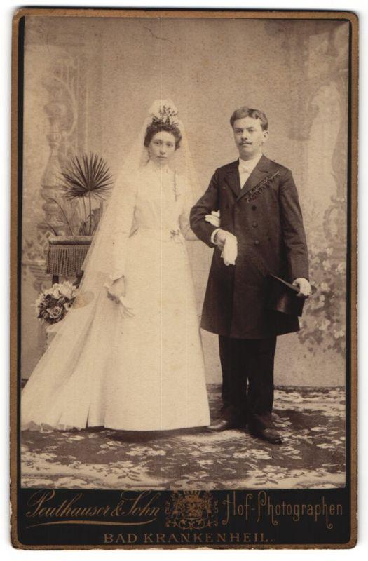 Fotografie Peuthauser & Sohn, Bad Krankenheil, Portrait junges Hochzeitspaar, Braut und Bräutigam