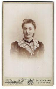 Fotografie Ludwig Holl, Mergentheim, Wertheim a/M, Portrait junge bürgerliche Dame