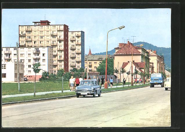 AK Puchov, Ortspartie, Wohnhochhäuser, Auto