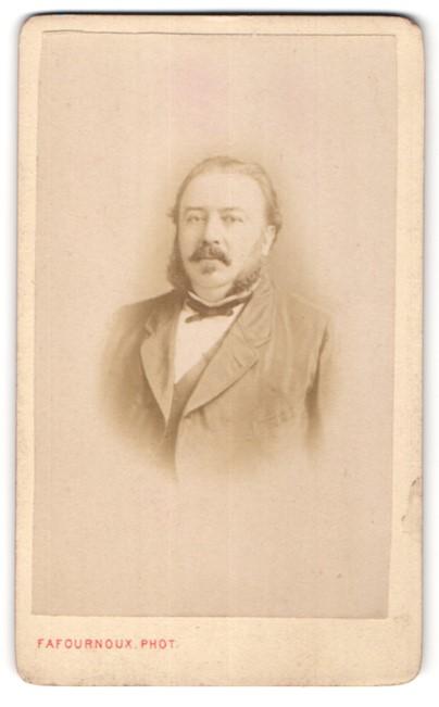 Fotografie Fafournoux, Villefranche, Portrait bürgerlicher Herr mit Backenbart