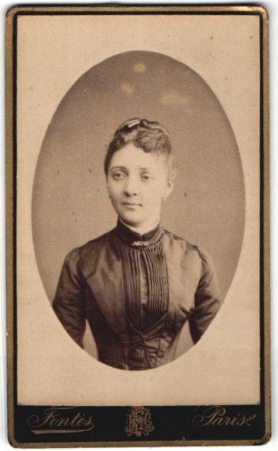 Fotografie Fontès, Paris, Portrait junge Dame mit zusammengebundenem Haar
