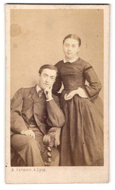 Fotografie A. Fatalot, Lyon, Portrait junges bürgerliches Paar