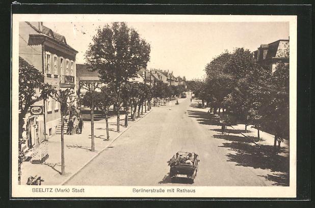 AK Beelitz, Berlinerstrasse mit Rathaus
