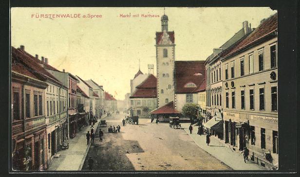 AK Fürstenwalde / Spree, Markt mit Rathaus