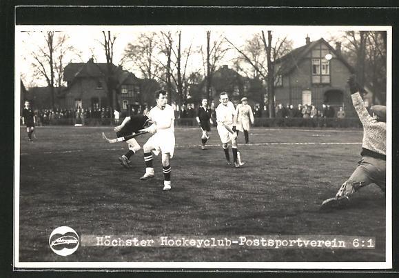 Foto-AK Frankfurt-Höchst, Hockeyclub gegen Postsportverein, Feldhockey