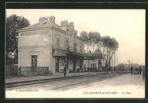 AK Villeneuve-la-Guyard, la Gare, Bahnhof