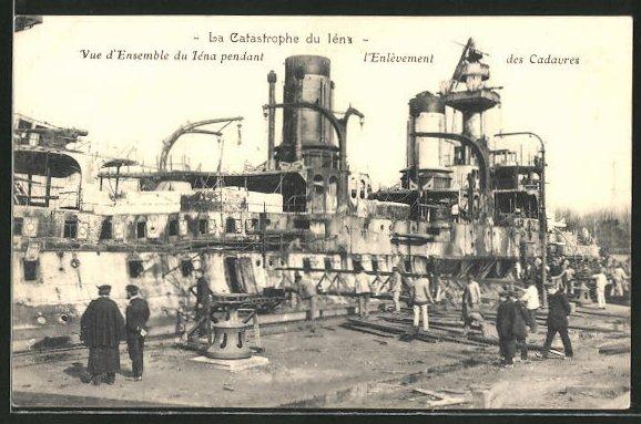 AK La Catastrophe du Iéna, Schiffwrack nach Feuerkatastrophe