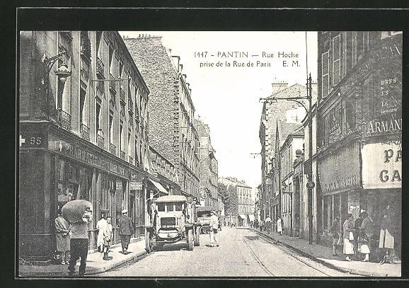AK Pantin, Rue Hoche prise de la Rue de Paris