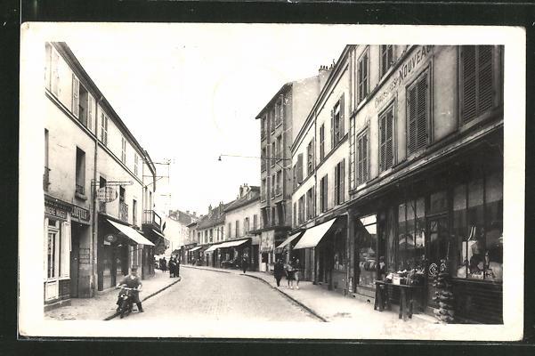 AK Stains, Quartier Central, Rue Carnot