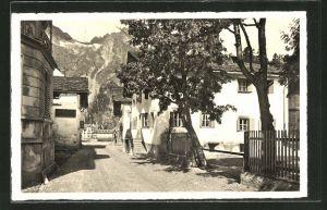 AK Sils-Maria i. Engadin, Partie aus der Dorfstrasse mit Blick nach dem Gebirge