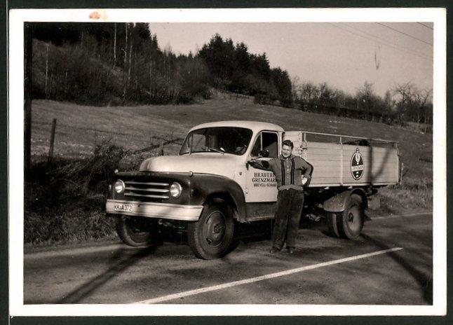Fotografie Lastwagen Hanomag, LKW-Pritsche der Brauerei Grenzmark aus Breyell-Schaag