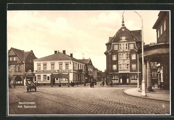 AK Neumünster, Strassenpartie am Bahnhof mit Hotel Doppelkrone