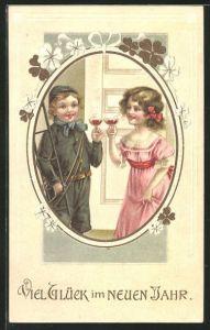 AK Viel Glück im neuen Jahr, kleiner Schornsteinfeger stösst mit Mädchen an