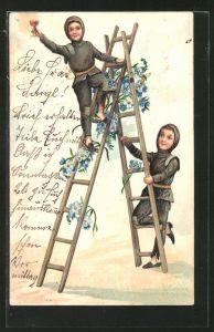 Präge-AK Schornsteinfeger mit Weinglas auf einer Leiter
