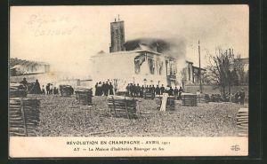 AK Ay, Révolution en Champagne 1911, La Maison d'habitation Bissinger en feu, brennendes Haus