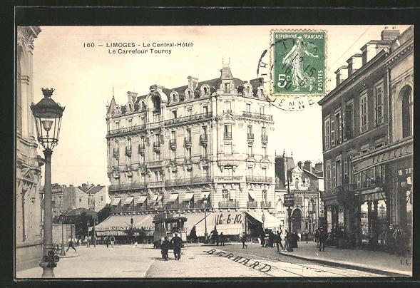 AK Limoges, Le Central-Hotel und le Carrefour Tourny mit Strassenbahn